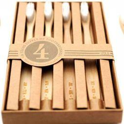 Izola Pers Hyg Set Of Four Bamboo Toothbrushes - Months Middenbruin