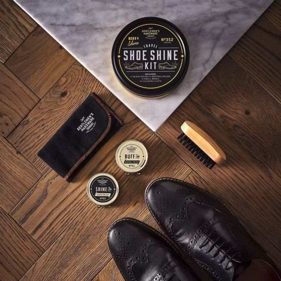 Gentlemen's Hardware Gadget Travel Shoe Shine Tin Zwart