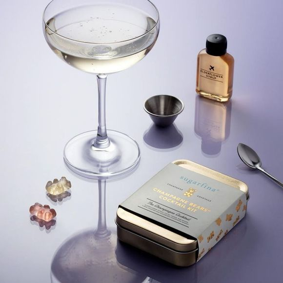 W&P Design Accessoire Carry On Cocktail Kit Sugarfina Champagne Ecru